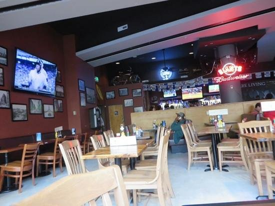 Cable Car City Pub & Cafe: dining area