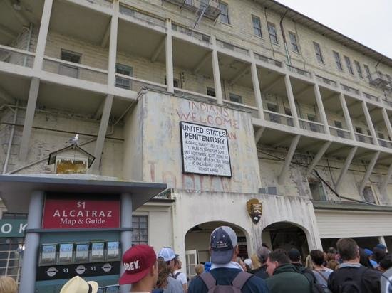 Alcatraz: waiting for the briefing at the start of the tour.