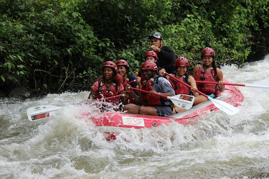 Desafio Adventure Company: river rafting