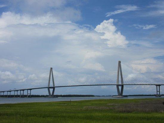 Patriots Point Naval & Maritime Museum: Skyline with Bridge