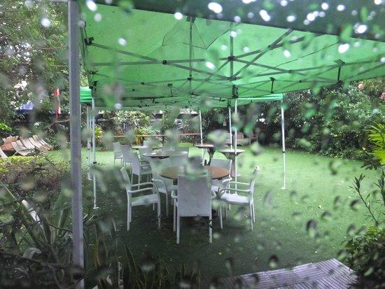 Padonmar Restaurant: 天気が良ければオープンエアーも使えます。