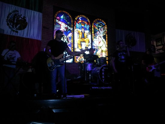 Hard Rock Cafe: Banda de Rock