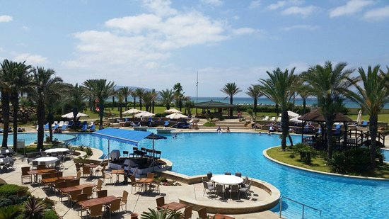 Movenpick Hotel & Casino Malabata Tanger: Loved the pool area!   Ocean view too