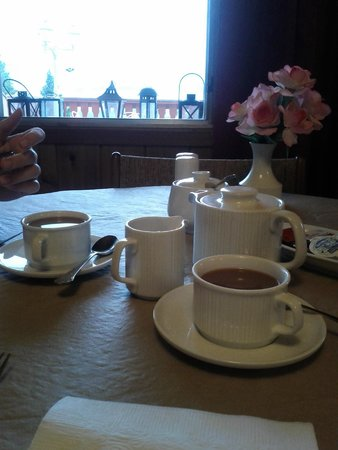 Rocky Mountain Springs Lodge and Restaurant: Coffee at breakfast