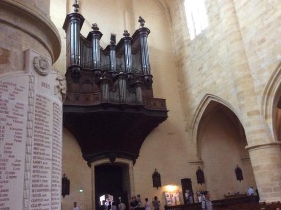 Cathédrale Saint-Sacerdos  : grandes orgues