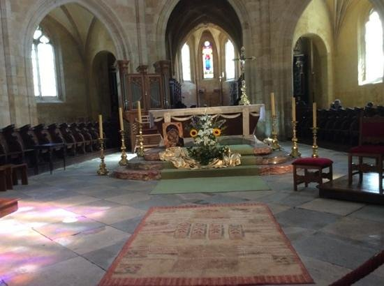 Cathédrale Saint-Sacerdos  : l'autel