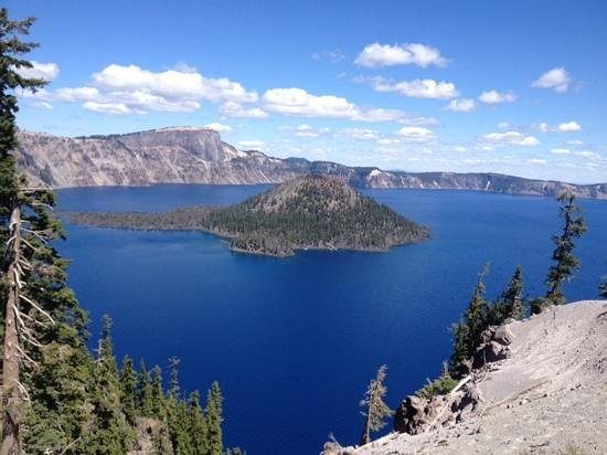 Crater Lake National Park: Looking out over Wizard Island