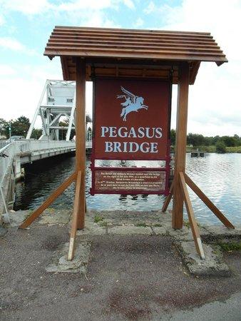 Pegasus Bridge: Visto dal 'Cafe Gondree'