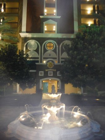 Hilton Grand Vacations at Tuscany Village: Infront of our building