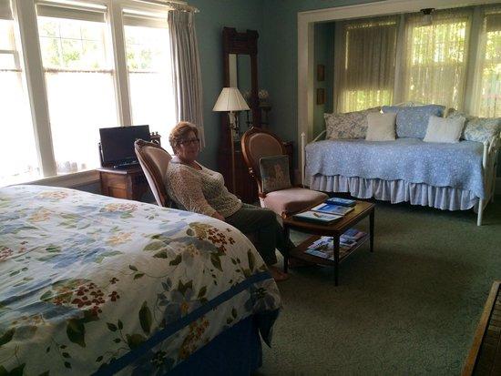 Beaconsfield Inn : McClure room