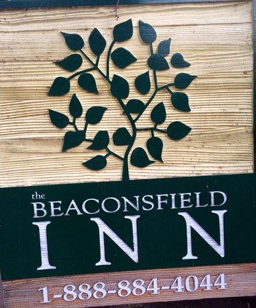 Beaconsfield Inn: Name