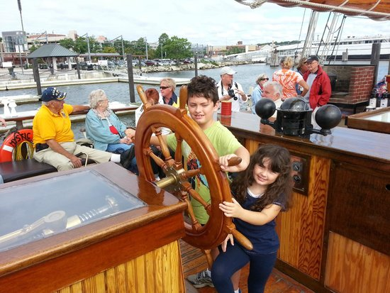 Mystic Whaler Cruises: N & J Taking The Helm