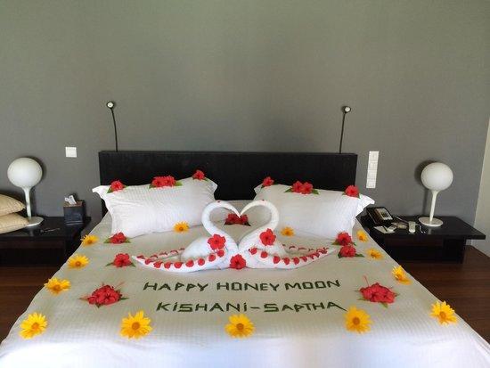 Kuda Funafaru Resort and Spa: World's best bed decoration from Zithali KFF staff. Thanks Saeed !