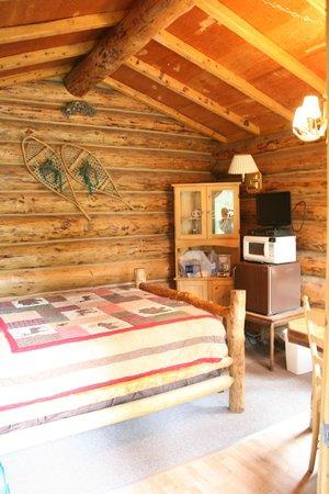 Alaska Creekside Cabins: Inside the Burl