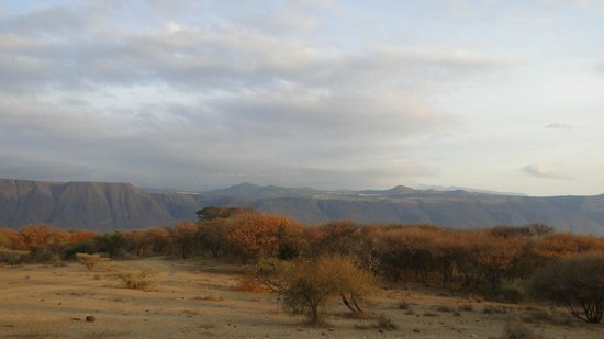 Ol Mesera Tented Camp: the view of the escarpment on a walk
