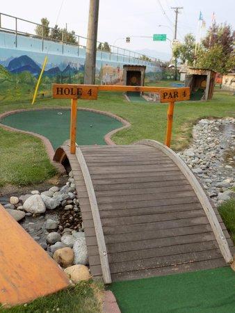 Elizabeth Lake Lodge: Mini Golf