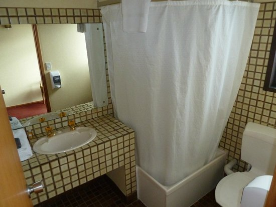 Northerner Hotel: One of the two bathrooms in the executive room