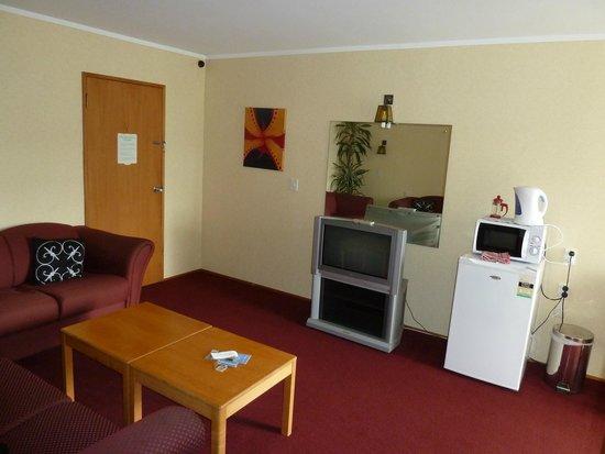 Northerner Hotel: Loungeroom/kitchen area