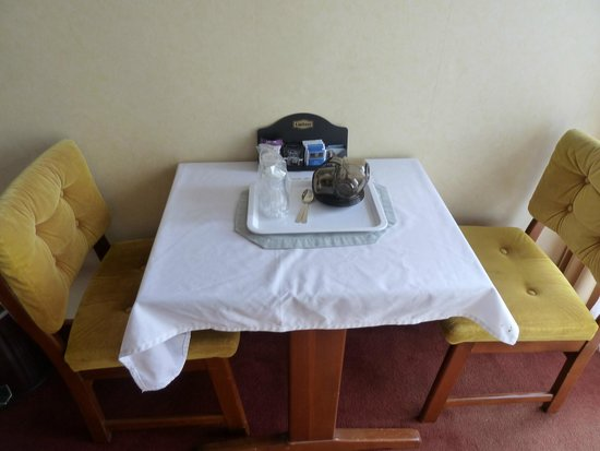 Northerner Hotel: Dining table