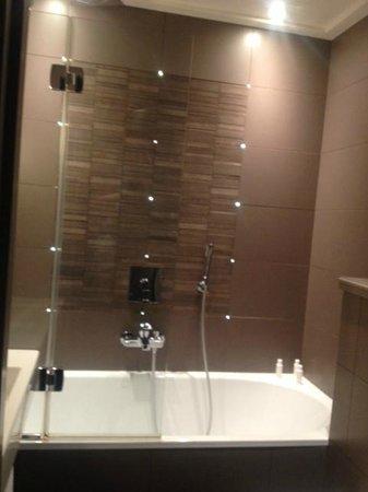 Le Grey Hotel: バスルーム