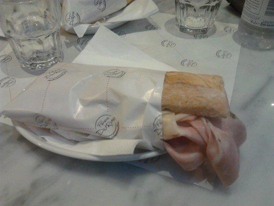Panini Durini: panino n.27:mortadella crema di basilico provola affumicata e crema di melanzane
