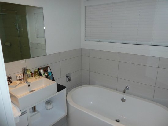 Regent of Rotorua: Bathroom