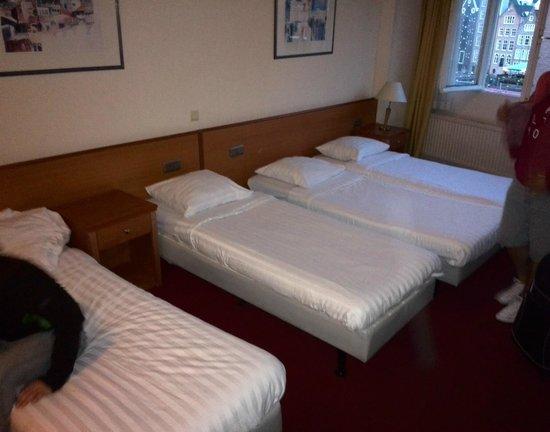 Delta Hotel Amsterdam City Centre : Viererzimmer