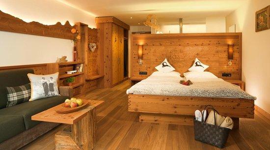 Zimmer l rchenwald bild von hotel pfeldererhof moso in for Hotelzimmer teilen