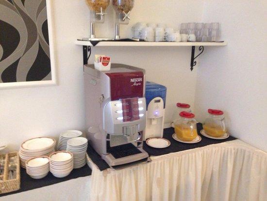 Hotel Palatium Mari: Petit déjeuner