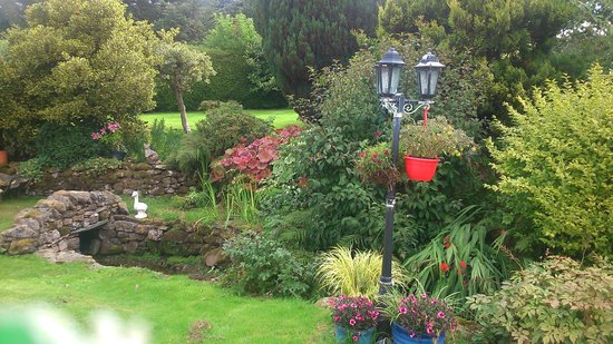 Gill Head Farm Self catering Holidays: lovely well maintained gardens
