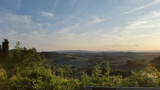 Le Casine di Castello: View from the lookout in Catelmuzio (including Sant Anna in Camprena)