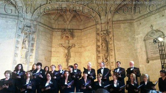 Jeronimos Monastery: Beautiful singing