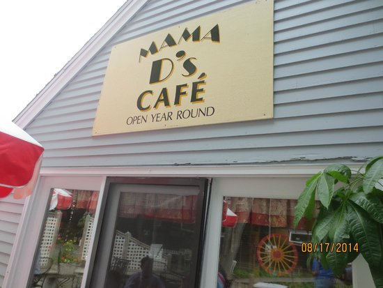 Mama D's Cafe Mercantile: sign