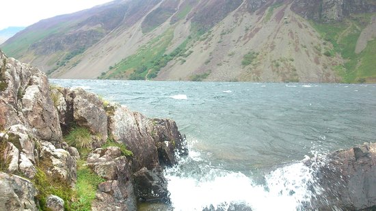 Wastwater Lake : wastwater on august bank holiday