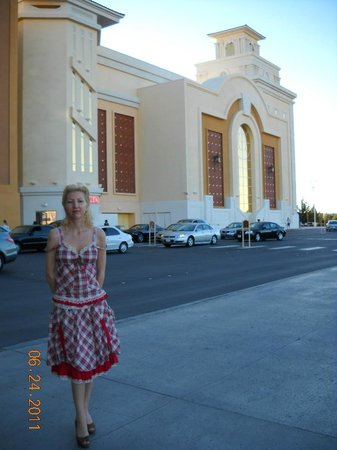 South Point Hotel, Casino and Spa : got ready to go to the Strip