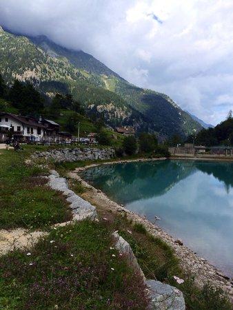 Lago delle Fate : Acqua cristallina e glaciale