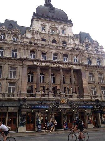 Phantom of The Opera London: 憧れのハーマジェスティーシアター♪