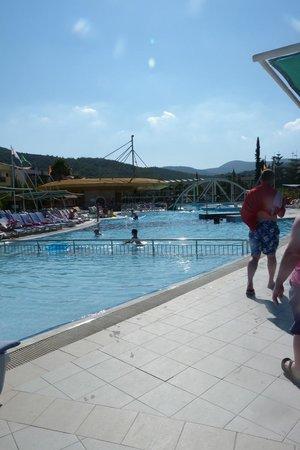 Aqua Fantasy Aquapark Hotel & SPA: other side of main pool