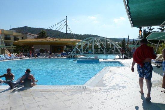 Aqua Fantasy Aquapark Hotel & SPA: mail pool