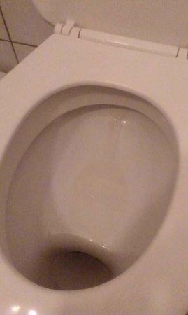 Parkhotel Brunauer: Toilet (1st room)