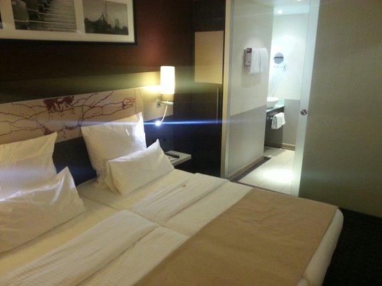 Leonardo Royal Hotel Munich: room