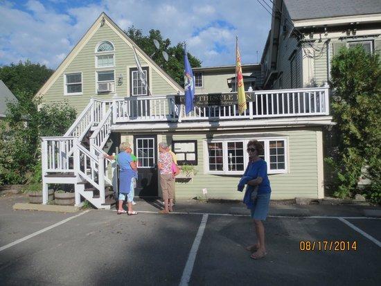 The Thistle Inn: Entrance