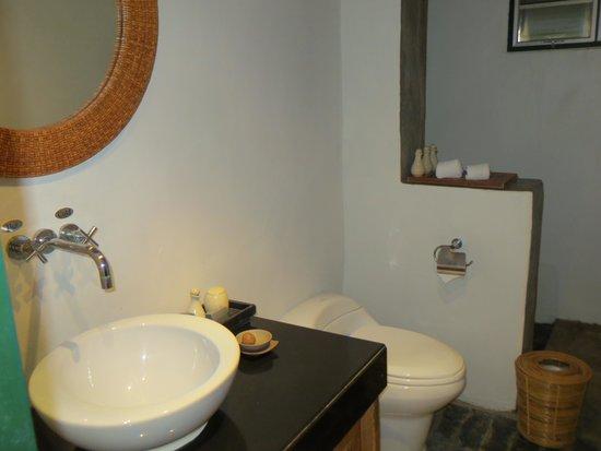 Aleenta Resort Pranburi: Badezimmer