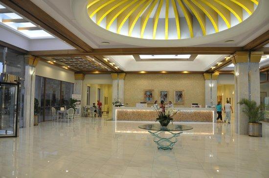 Atrium Prestige Thalasso Spa Resort and Villas: Główny hall