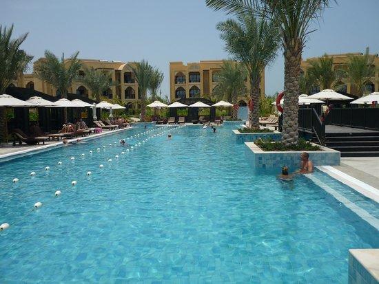 DoubleTree by Hilton Resort & Spa Marjan Island: Pool bei den Villen
