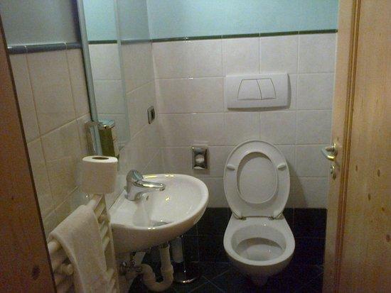 Leading Relax Hotel Maria: Locale wc separato