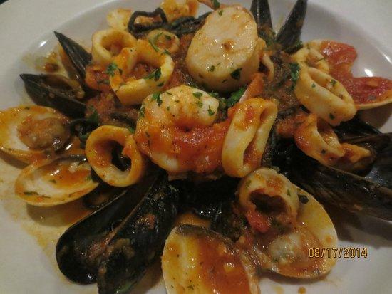 Ports of Italy: chitarucci neri frutti di mare