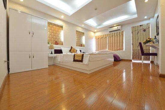 Tu Linh Palace Hotel 2: Honeymoon Suite room