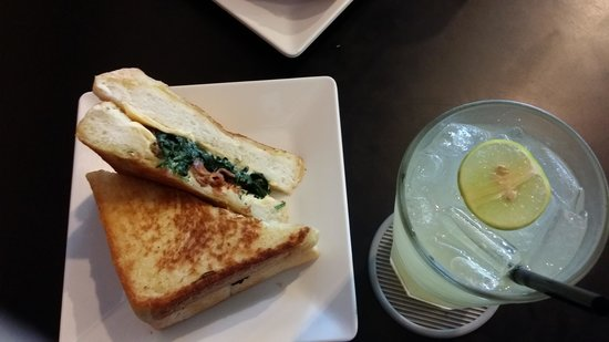 HockHoeLee: spinach bacon grilled cheese with lime juice