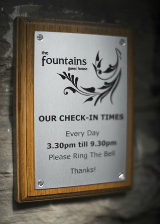 The Fountains Guesthouse: -